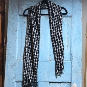 Houndstooth pattern scarf ❄️Gift idea!❄️